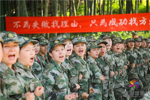 合肥军事拓展训练 芳朵军训活动